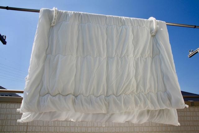 コインランドリーで布団を洗う