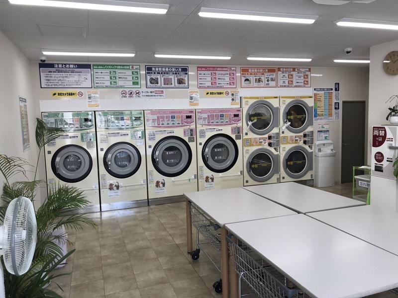 コインランドリー光明の洗濯機類