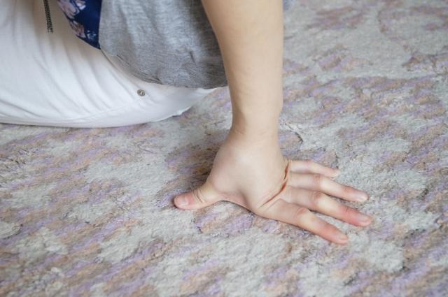 コインランドリーでカーペットを洗う